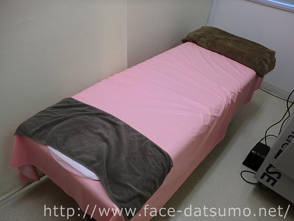 湘南 脱毛時の施術ベッド